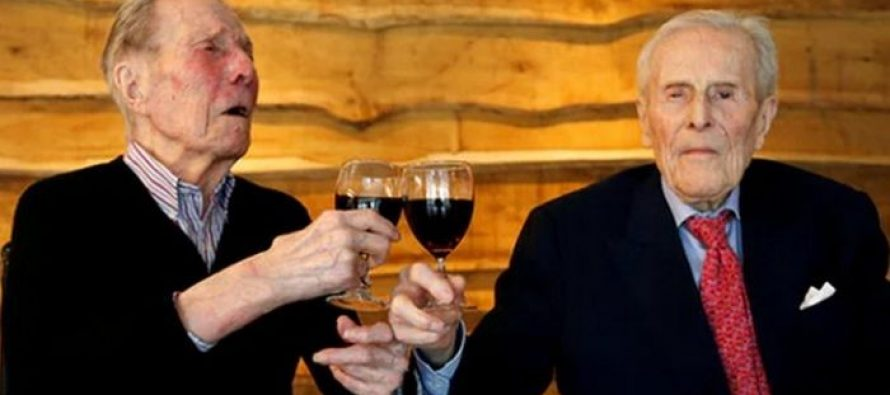 Najstariji blizanci proslavili 103. rođendan