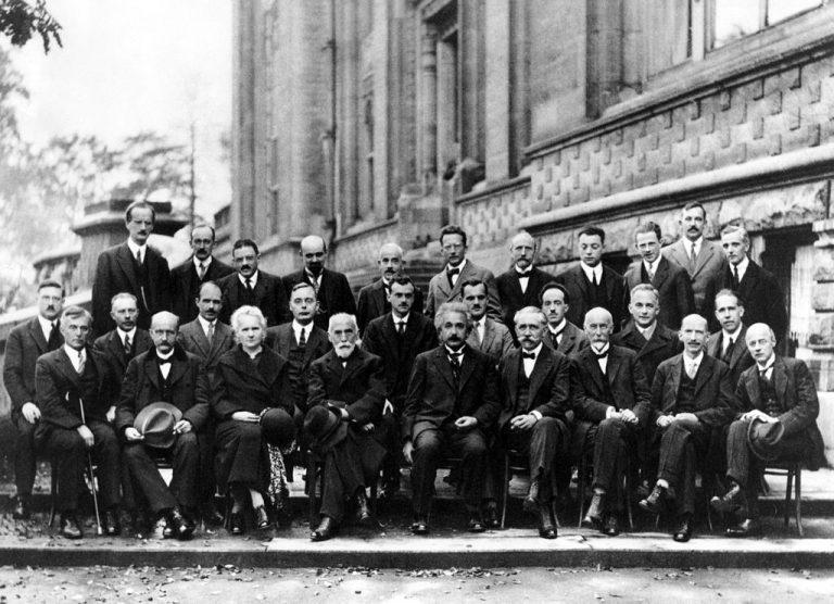 Na ovoj fotografiji se nalazi 17 Nobelovaca