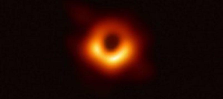 Ko stoji iza prve fotografije crne rupe?